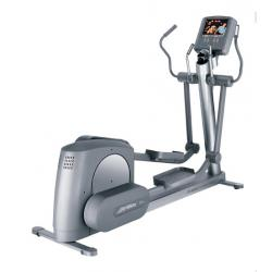 Life Fitness 95Xe elliptical - Remanufactured